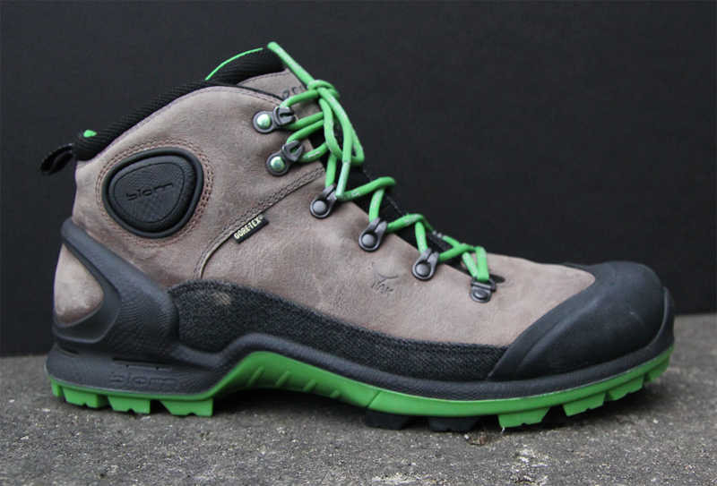 cb574953b 12 Good Boots: Find Your Perfect Hiking Footwear For Spring 2014   Page 3    GearJunkie